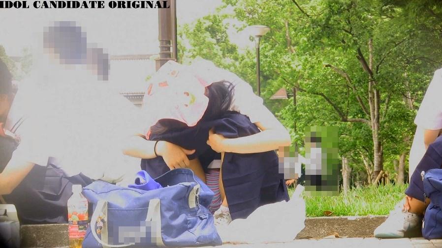 部活終わりに縞々パンチラを盗撮されるセーラー服美少女JC