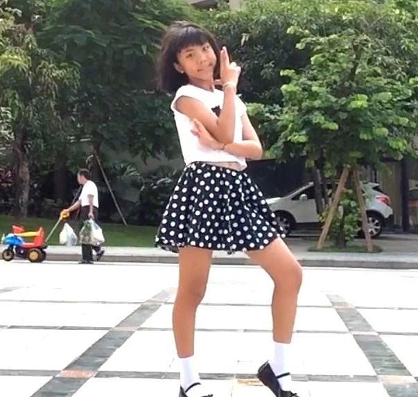 小学生っぽい女の子のbilibili踊ってみた動画