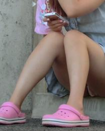 少女の座りモロパン盗撮