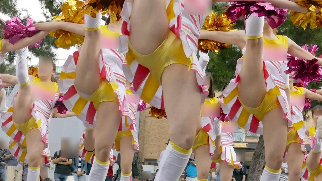 美少女JDチアダンスチームのハイキックパンチラ