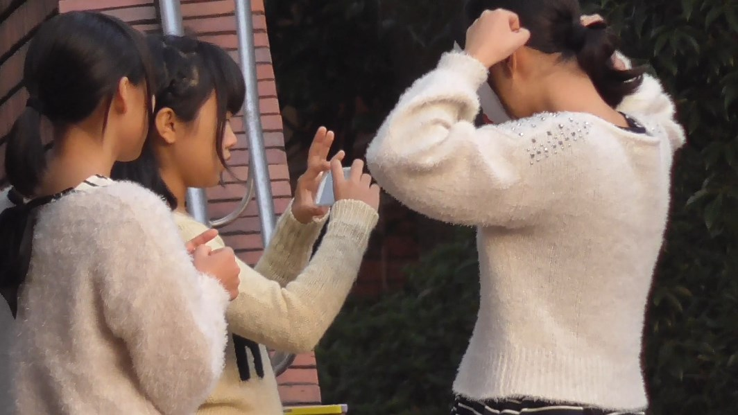 未来の坂本 踊ってみた娘達を後ろから【レビュー】
