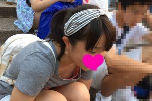 美少女JCの乳首まで見える胸チラ盗撮
