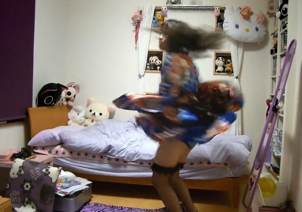 ニコ動の踊ってみたでがっつりパンチラする踊り手さん
