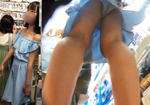 友達とお買い物中の肩出しロングワンピース女子にカメラ突っ込んでみた【レビュー】
