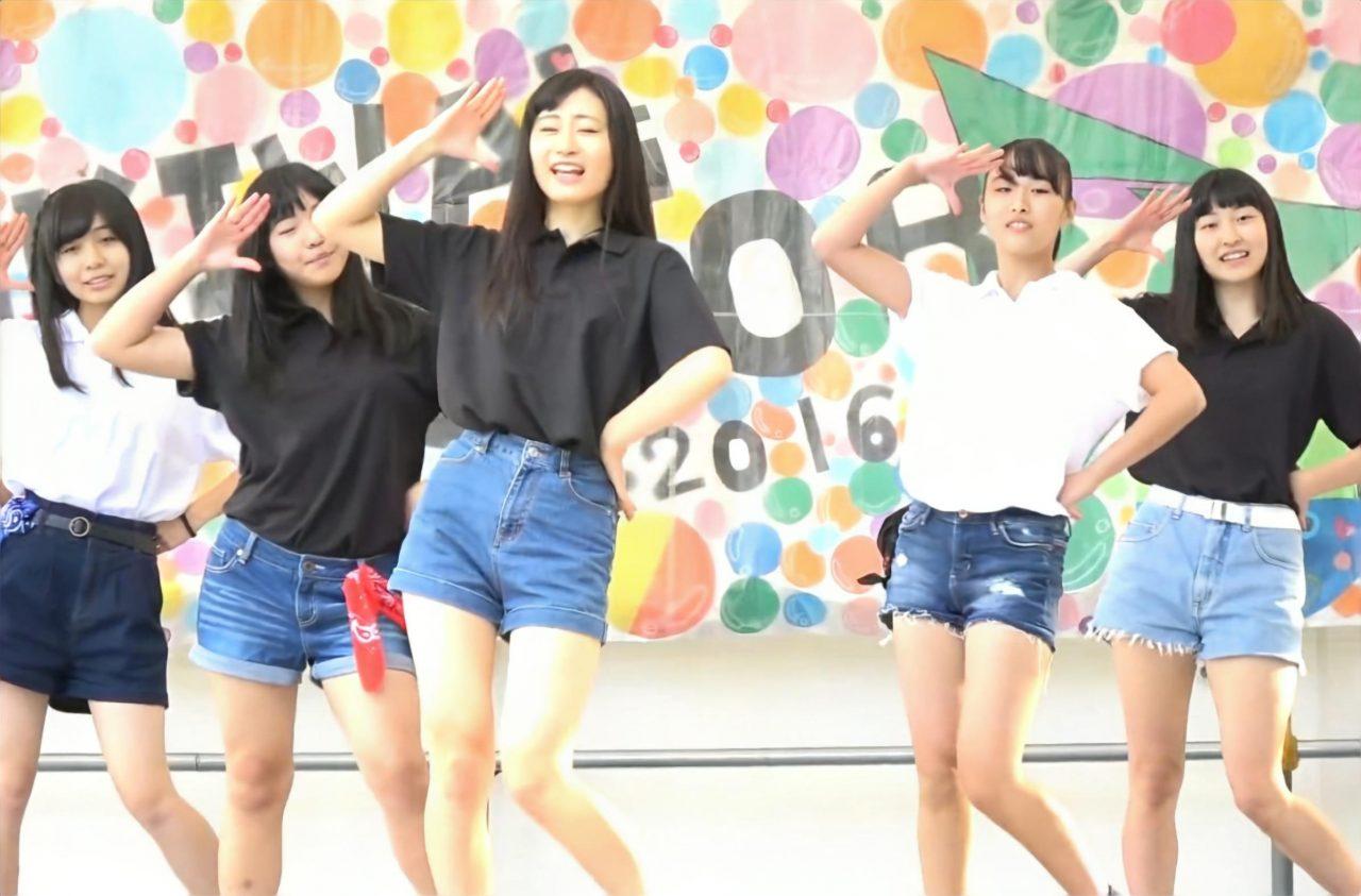 """JKダンス部のデニムショーパンに見る """"隙間&ハミ"""" パンチラ"""