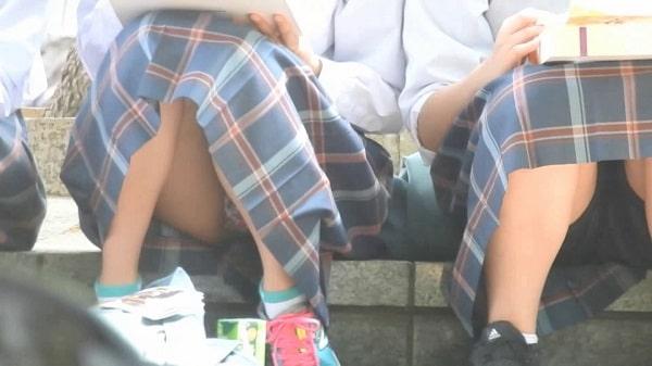 YUKI:清楚系&美少女&発見!!(FHD)お弁当をたべているCちゃん!!大変です!!パンツが見えてますよ特別編15
