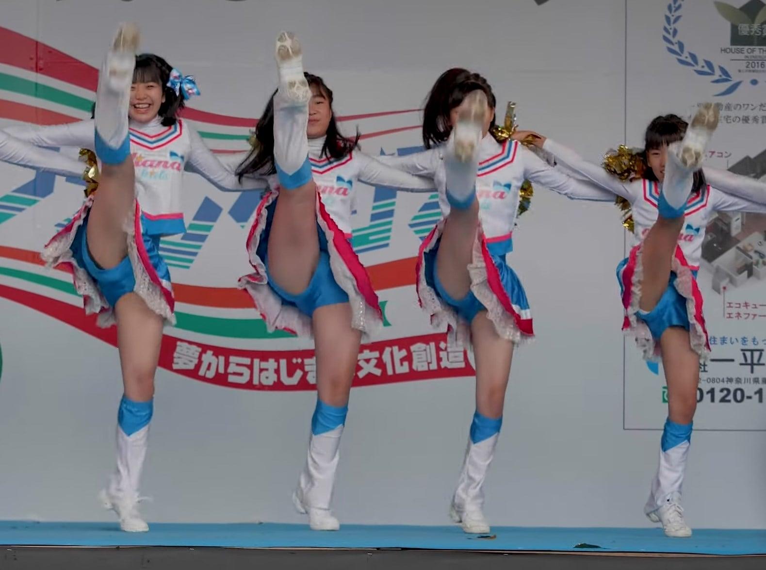 JS・JCチアチーム、演技で綿の生パンをハミパンしまくる