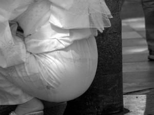 【 赤外線 】夏服だとここまで透ける!赤外線街撮り画像で下着が透け透けやで~wwww(画像15枚)