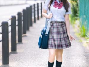 【狂気】女子高校生のスカートの中を盗撮した結果 → こうなるwwwwwww