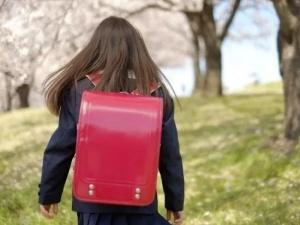 【過激発言】 JS4「同年代は子供すぎるから高校生や大学生と付き合いたい❤️ 」 (画像あり)