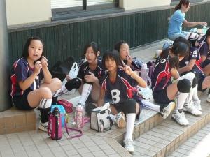 【狂気】女子小学生バレー監督、永久追放 → 驚きの理由・・・