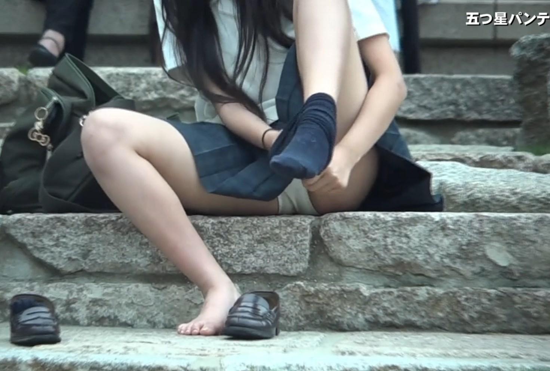 JKの白パンティ★3人の制服少女!初公開画像つき詳細レビュー