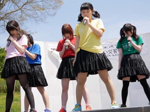 【YouTube】大阪のローカルアイドルさんハイキックで隙間パンチラ連発の大サービス