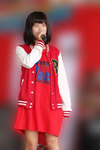 【オリジナル撮影193枚】ドラムの女の子が足開きすぎで丸見え JK風 美少女ガールズバンド写真集01
